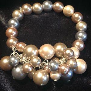 Tri-colored faux pearl bracelet